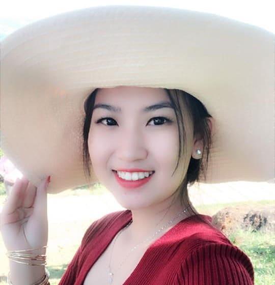 Chị Yến Linh