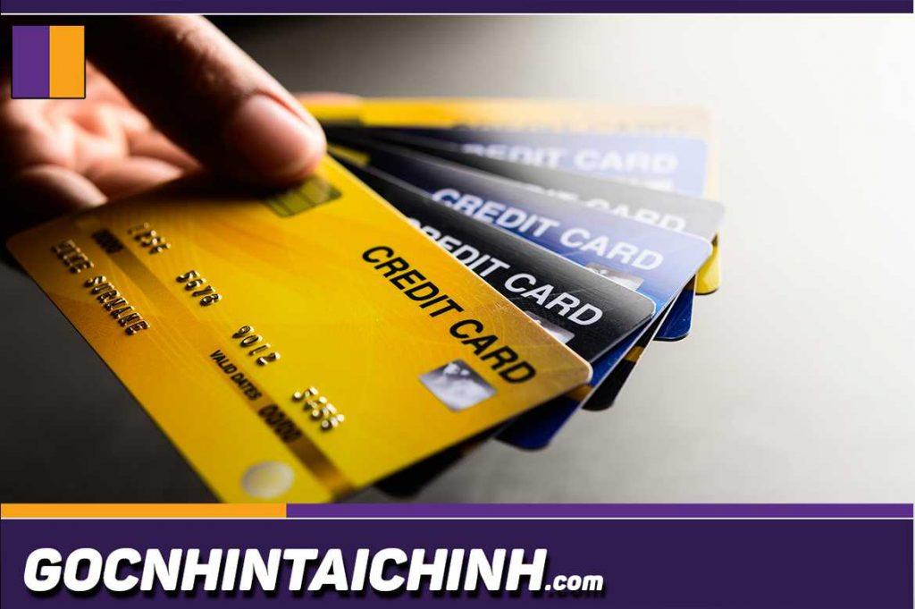 Lãi suất rút tiền thẻ tín dụng được tính như thế nào?