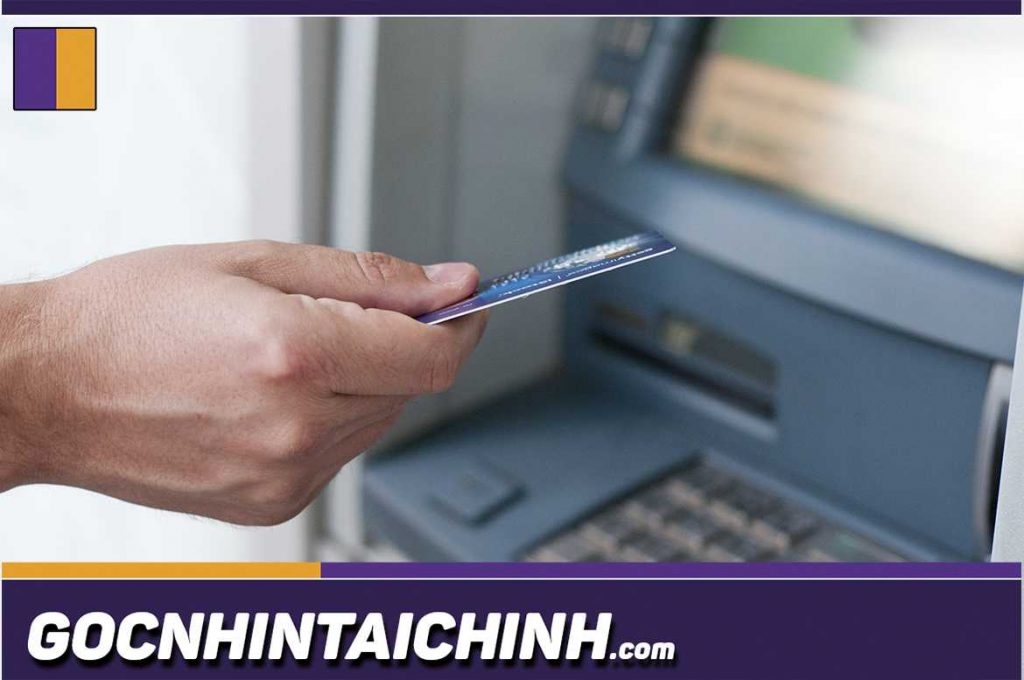 Thẻ ATM Vietcombank dùng để làm gì?