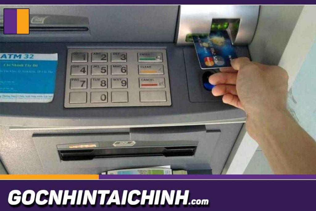 Các vấn đề phát sinh trong quá trình dùng thẻ ATM BIDV.
