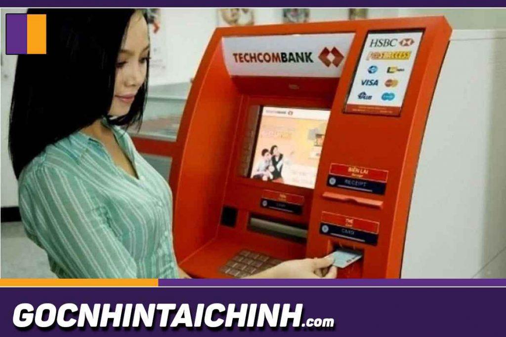 Một số loại phí rút tiền ATM Techcombank.