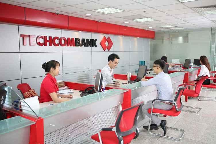 Đến trực tiếp PGD Techcombank